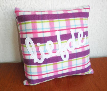 fleece liefde cushion